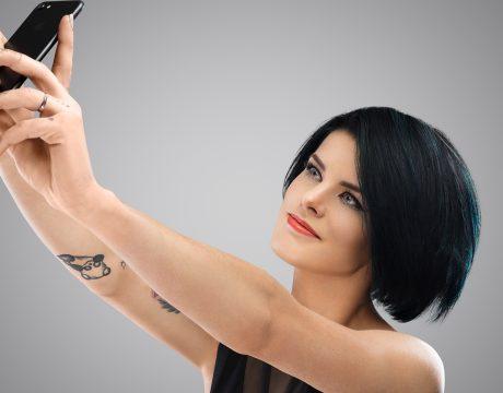 mia_selfie