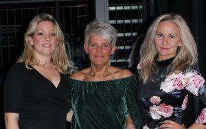Gina, Karianne og Ardi har vært i Josefsson i 10 år, gratulerer!