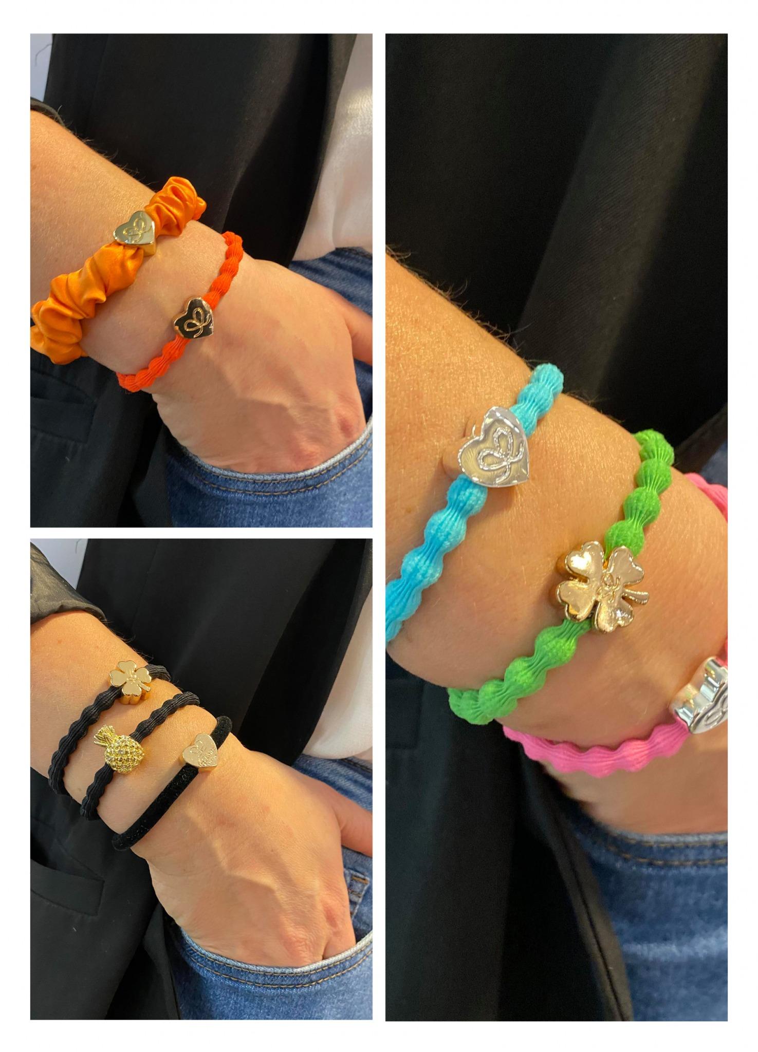 tre bilder av håndledd pyntet med hårstrikker i ulike farger